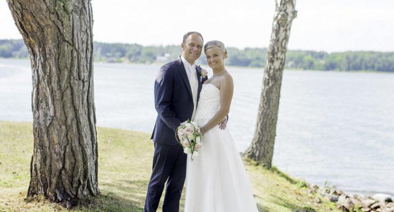 Ann-Kristin Häggblom och Thomas Idman från Jomala vigdes lördagen den 30 juli i S:ta Catharina kyrka i Hammarland. Det gemensamma efternamnet blir Idman. Vigselförrättare var Ingemar Johansson.