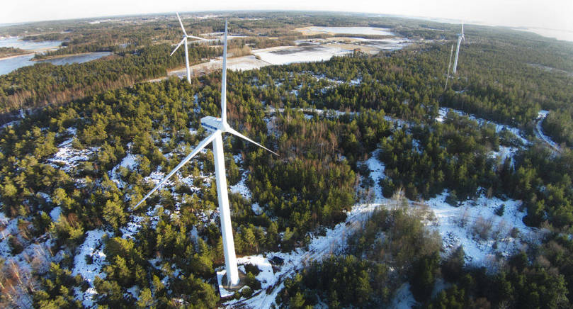NEDMONTERING I november 2017 fyller bland annat vindkraftverken vid Lemböte 20 år och omfattas sålunda inte längre av det stödsystem som finns idag berättar Henrik Lindqvist. Om de kommer säljas, monteras ner eller fortsätta i drift är fortfarande oklart säger han.