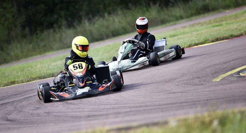 TOPPDUO David Boman höll undan för jagande Sami Fagerström och tog hem ÅM-serien i karting i klassen KZ2.