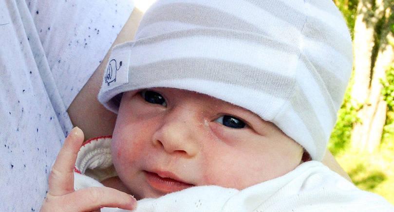 Josefin Klintberg och Daniel Lervik fick dottern Stina på Södersjukhuset i Stockholm den 9 juni. Vid födseln vägde hon 3.000 gram och var 49 cm lång. Föräldrarna är bördiga från Åland.