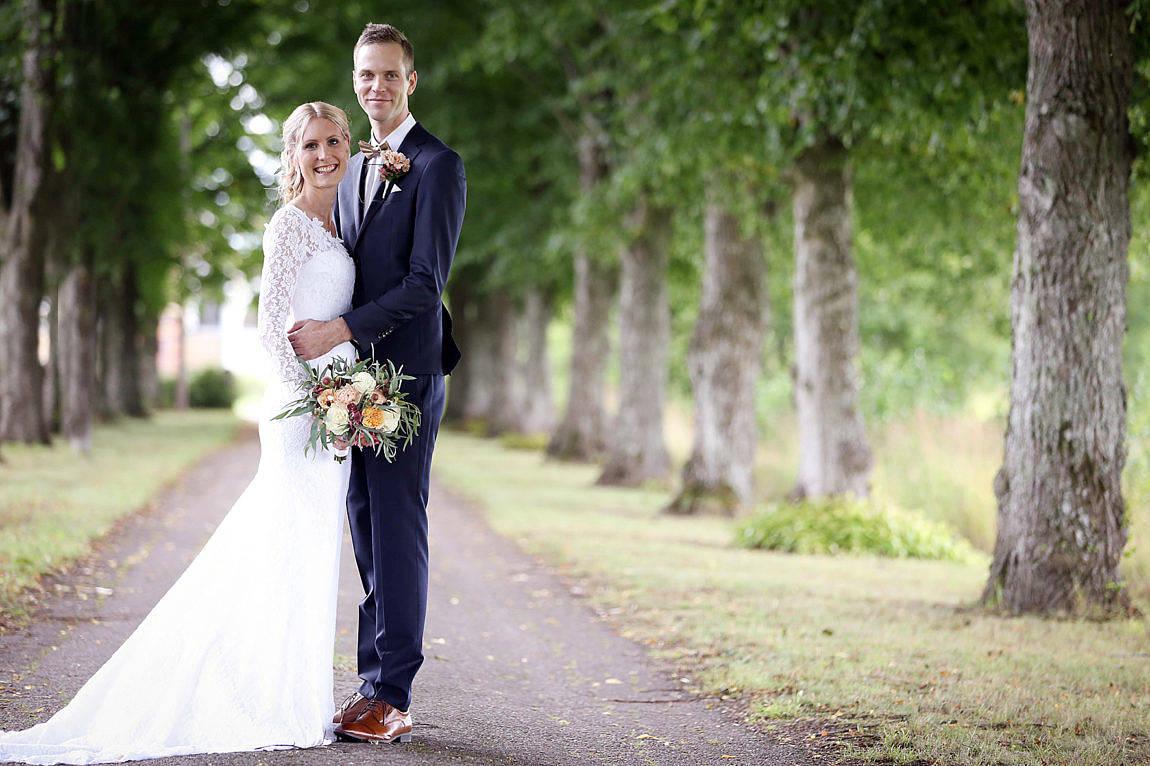 Maria Koskinen och Conny Wikstrand i Jomala Önningeby vigdes den 20 augusti i Jomala kyrka. Det gemensamma efternamnet blir Wikstrand. Vigselförrättare var kyrkoherde Kent Danielsson.