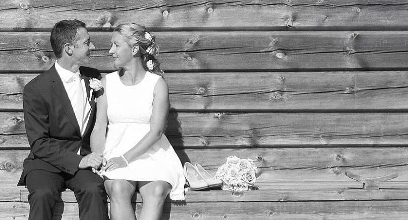 Ronny Haals och Fredrika Johansson, båda från Mariehamn, vigdes den 2 september i Sjöfararkapellet i Mariehamn. Makarnas gemensamma efternamn blir Haals. Vigselförrättare var ställföreträdande häradsskrivare Rainer Åkerblom.