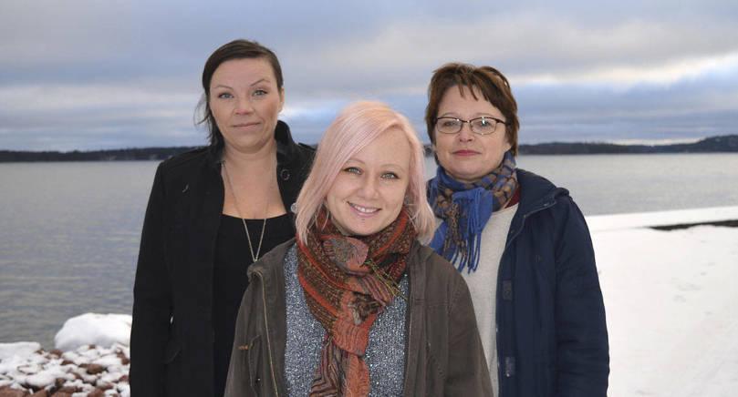 VANN I FJOL Linda Pussinen (till vänster) vann förra årets miljöpris. På bilden också Jessica Sundberg (mitten) och Annette Jansson från Ålands Natur & Miljö.