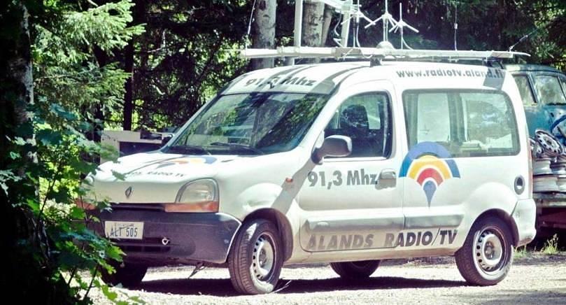 STÖLDGODS Ålands radio och tvs Renault försvann från garaget natten till måndagen.