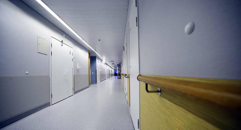 STORA KOSTNADER Långa sjukskrivningar innebär stora kostnader för samhället och kan skapa stort lidande för patienter, skriver insändarskribenten.