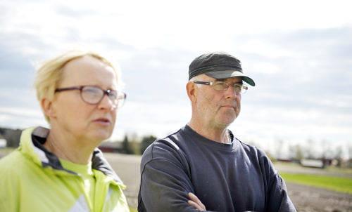NÖJDA Pia och Robert Ekström har sålt sin dyraste häst någonsin, Robert säger att de tidigare har sålt en häst för 200 000 kronor.