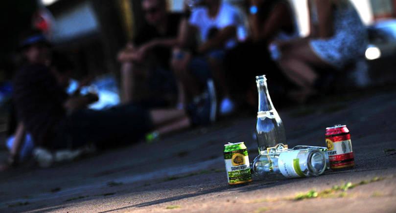 SKOLAVSLUTNING Alkohålförseelser är vanliga under skolavslutningshelger och sommartillställningar säger Maria Hoikkala.