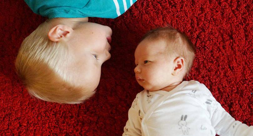 Moa, lillasyster till Anton, föddes den 31 augusti klockan 13.45. Hon var vid födseln 49,5 cm lång och hon vägde 3485 gram. Föräldrar är Malin Weckman och Thomas Söderlund. Familjen bor i Jomala.