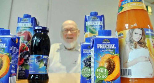 TILLBAKA P� MARKNADEN Kurt Eriksson hakar p� d�r kriget i Jugoslavien tvingade honom att sluta och har nu f�r andra g�ngen skaffat ensamr�tten i Finland till �terf�rs�ljning av Fructals produkter.