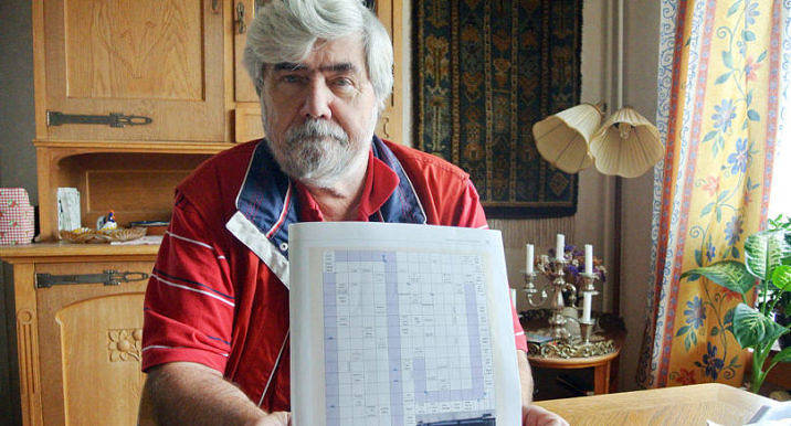KORSORD Rolf Söderback har tillverkat korsord i tjugo år. Han kommer göra korsord åt Nya Åland som har lokal ankytning.