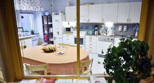 NY FUNKTION D�r mottagningen tidigare fanns finns nu ett k�k med matbord.