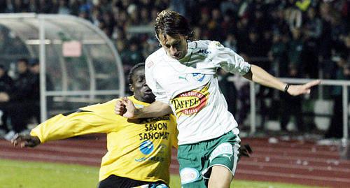 FLYGER IN IFK-ikonen Sebastian Wiklander flygs in med privatplan. Han vill inte missa matchen f�r n�gonting i v�rlden.