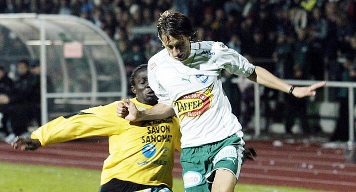FLYGER IN IFK-ikonen Sebastian Wiklander flygs in med privatplan. Han vill inte missa matchen för någonting i världen.