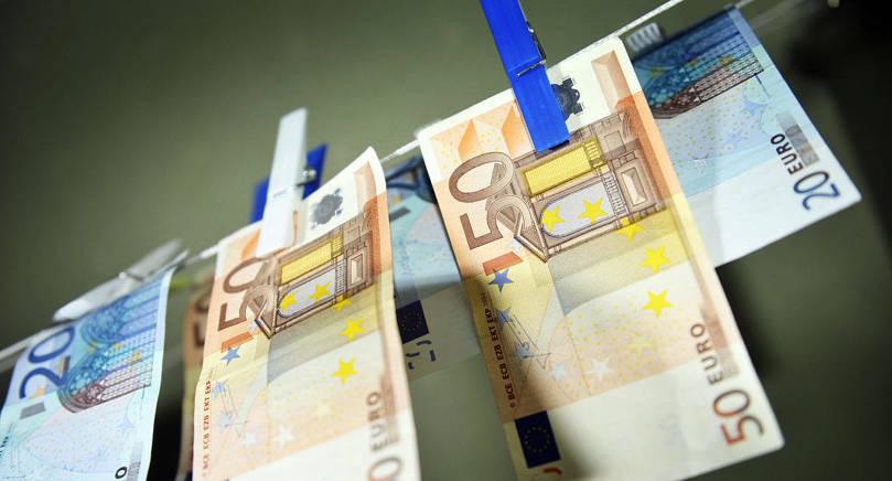 JK-KRITIK Åtalsprövningen mot Paf i penningtvättsärendet har dragit ut på tiden, något som både landskapsåklagarämbetet och riksåklagarämbetet nu kritiseras för av biträdande justitiekansler.