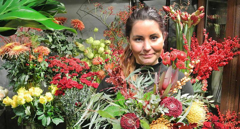 BLOMMOR Michaela Eckerman trivs att jobba med blommor och inredning.