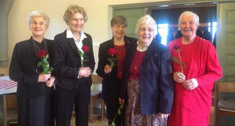 FICK FÖRTJÄNSTTECKEN Cordi-Maj Öhman, Britta Nordström, Mari-Ann Åkerblom, Rut Sporre och Elvi Johansson har avtackats för frivilligt arbete i Mariehamns församling.