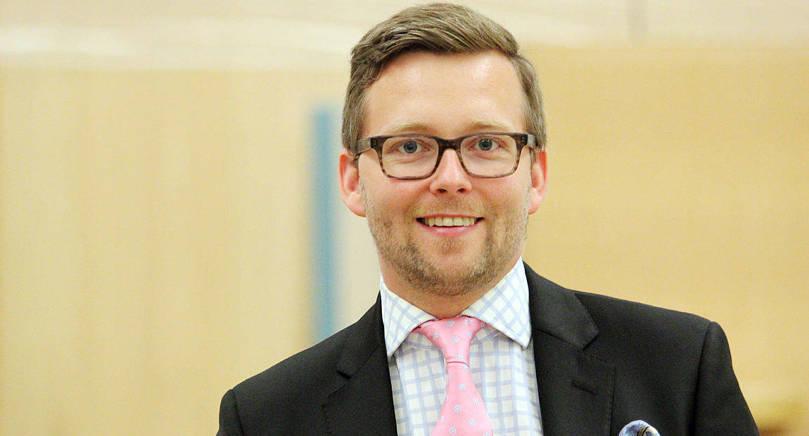 Nästa vecka besöker riksdagsledamot Mats Löfström sex åländska skolor som en del av riksdagens temaveckor.