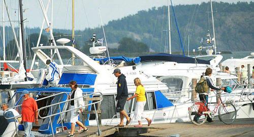 SNART DAGS Många båtägare får räkna med att redan i år skatta för sin båt. Lagförslaget om båtskatten ska överlämnas till riksdagen i februari och skatterna börjar uppbäras i maj.