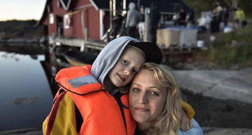 HUVUDROLLER Esther Quigley spelar dottern Ti och Maria Sundbom mamman Siri.