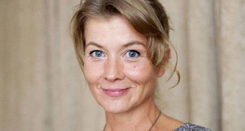 BÄSTA JOURNALISTEN Topeliuspriset, det finlandssvenska publicistpriset, gick i år till Jeanette Björkqvist, frilansande nyhetsreporter och grävande journalist.