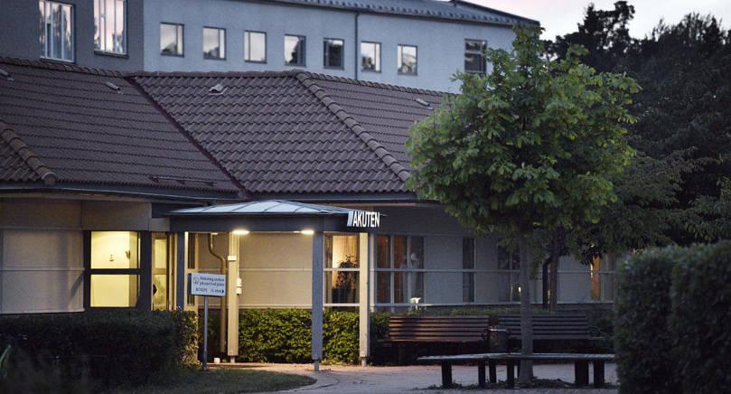 FÖRSÄMRADE VILLKOR Om ÅHS förslag att minska antalet vårdplatser på medicinavdelningen försämras patientsäkerheten anser       avdelningens personal.