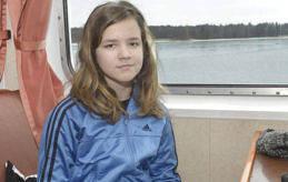 VARJE FREDAG Linn Hellström började på ridskola förra året. Det roligaste är att trava.