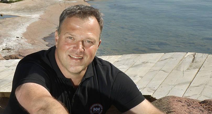 JÄGARE Johan Mörn intervjuas av Politico.