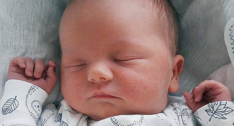 Emma Andersson och Christoffer Karlsson i Finström fick sonen August den 13 februari. Vid födseln vägde han 3375 gram och var 50 cm lång.