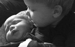Tisdagen den 14 februari kom Olivers lillebror till världen. Föräldrar är Peter Sjöberg och Mikaela Holmström. Familjen bor i Jomala Ingby.