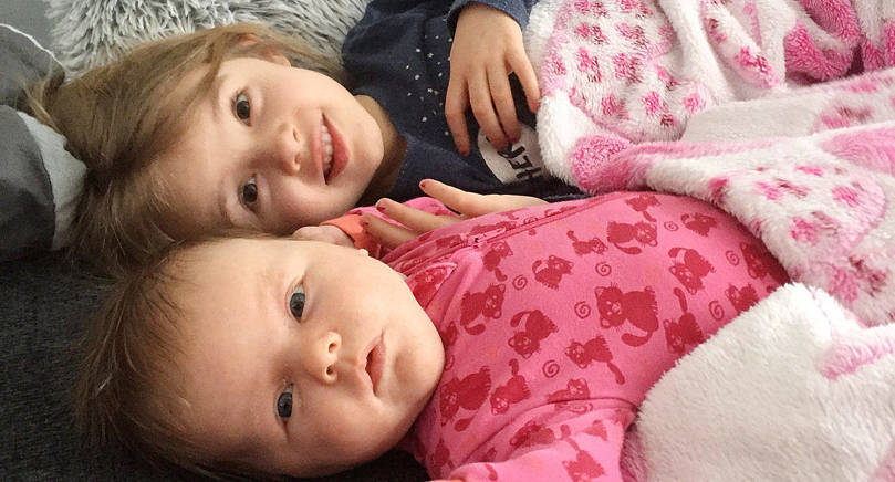 Emilia, lillasyster till Cornelia, föddes den 16 januari med längden 53 cm och vikten 4180 gram. Föräldrar är Fredrik och Malin Rautiainen. Fredrik bördig från Hammarland. Familjen är bosatt i Bergsjö i Sverige.