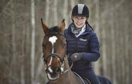 FRAMGÅNGSRIK DUO Petra Söderman och nu sexårige Connoisseur TZ skördade flera framgångar under 2016 och belönades i januari med priset som årets idrottsliga genombrott på den åländska idrottsgalan.