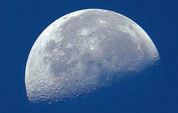 GLOBAL Alla alla människor har en relation till månen.