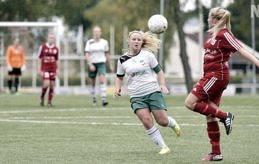 HATTRICK Trots seger med 7-0 innehöll matchen bara två målskyttar. Elin Lindström gjorde fyra mål för IFK medan Melanie Karring (här på bild) stod för tre.