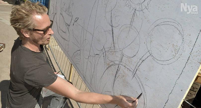 GJORDE GRUNDEN Jonas Wilén gjorde skisserna med kol som politiker senare fyllde med färg.
