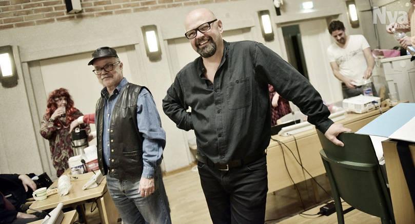 """GÖR BARNTEATER Arn-Henrik Blomqvist är regissör och dramaturg då prisbelönta """"Mördarens apa"""" sätts upp i Helsingfors. Bilden är tagen vid ett annat tillfälle."""
