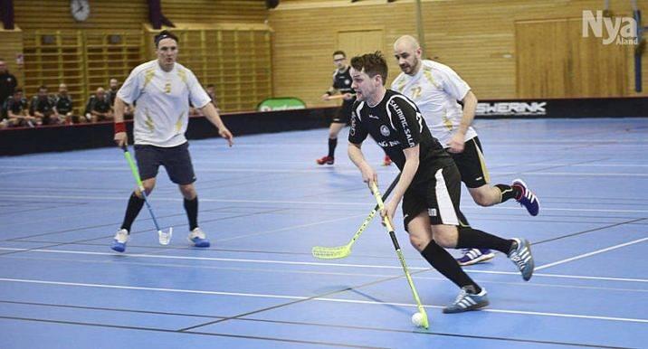 TVÅMÅLSSKYTT Simon Sjöström gjorde två mål för IF Fram i segermatchen mot KY-SPORT, en match som IF Fram vann med 8-5.