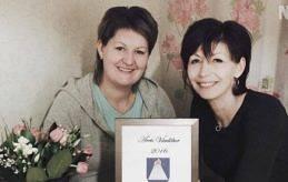 Systrarna Solvita Lundell (till höger) och Ieva Alexejeva.