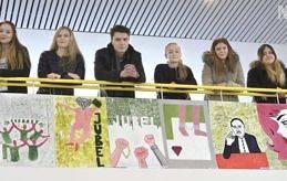 UTSTÄLLARE Julia Jansson, Alicia Eriksson, Valera Lankovskis, Ida Melander, Wilma Polviander och Jasmin Rosenqvist har tolkat litteraturdagstemat.