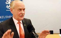 SNART KLART Gunnar Jansson är varken riktigt nöjd eller besviken över det som Ålandskommittén kommit fram till under sitt långa arbete med att utveckla självstyrelse. Om drygt en månad presenteras slutresultatet. –Det har varit ett givande och tagande, säger Jansson.