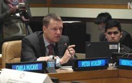 I FN Ålandsbankens vd Peter Wiklöf medger gärna att han blev stolt över applåderna i FN.