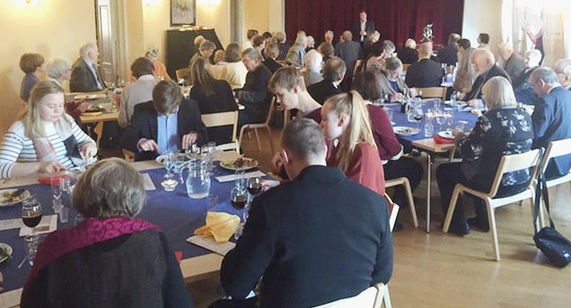 70-ÅRSJUBILEUM Ålands Vänner i Helsingfors jubileumsfirade nyligen. Festtalare var Staffan Bruun.