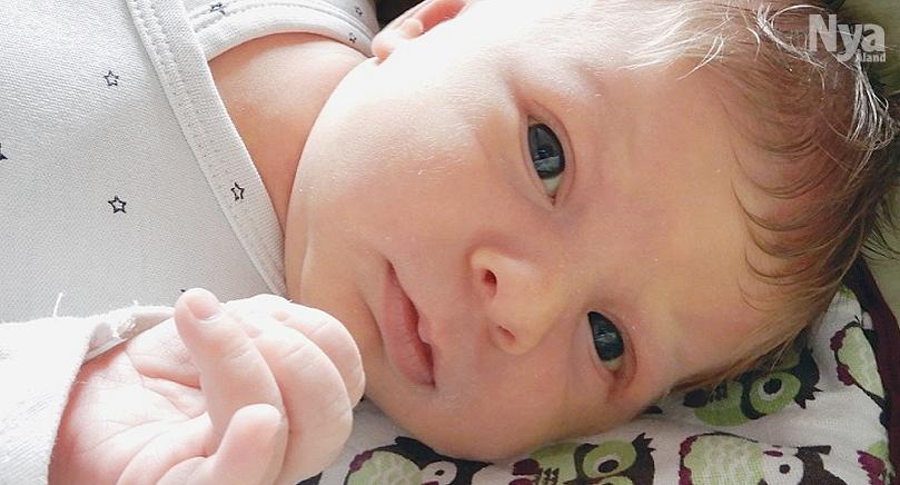 Här är Hammalandsflickan Alexia, född den 19 mars klockan 19.47 med längden 50,5 cm och vikten 3610 gram. Föräldrar är Julia Ikkelä-Koski och Ronnie Jansson i Hammarland.