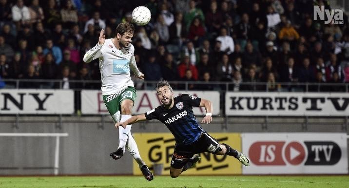 FÖRSTA BORTAMATCHEN I kväll spelar Aleksei Kangaskolkka (på bilden) och hans IFK Mariehamn mot Petros Kanakoudis (bilden) och hans FC Inter på Veritas stadion. För IFK:s del är första bortamatchen för ligasäsongen 2017.