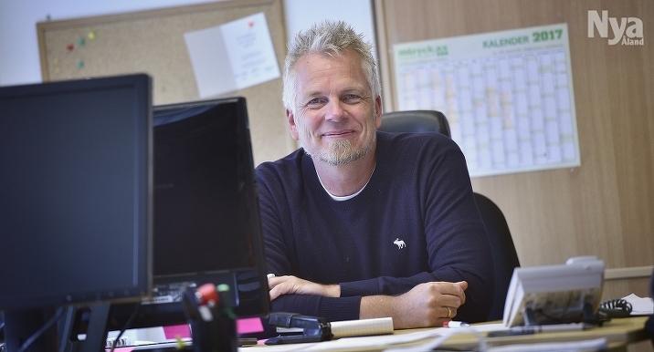 UPPÅT Nya Ålands vd Patrik Ekblom räknar med ännu bättre siffror i bokslutet för 2017.