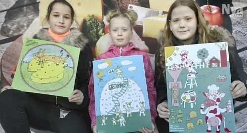 TECKNARE Ellinor Mattsson, Fanny Jansson och Therese Kerwien är de tre vinnarna i ÅCA:s teckningstävling.