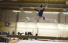 REDO FÖR FM Emma Pussinen, här på bild, är en av två åländska gymnaster som tävlar i FM inkommande helg.