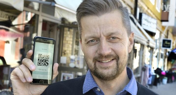 DIGITAL BONUS Med appen Kloink kan kunderna samla virtuella stämplar och ta del av erbjudanden hos 20 åländska butiker och företag. Joakim Isaksson är mannen bakom företaget.