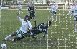 SUPER-SUB Luckymore Mkosana blev inbytt och tog tillvara på chansen genom att göra IFK:s första mål.