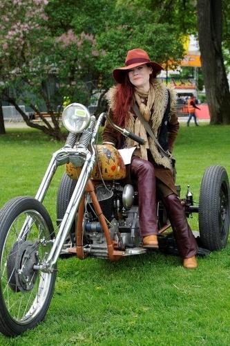 Ella Grüssner vinnare på Custom Bike Sow i Norrtälje