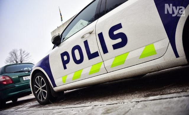 Polispatrull gick i baklas